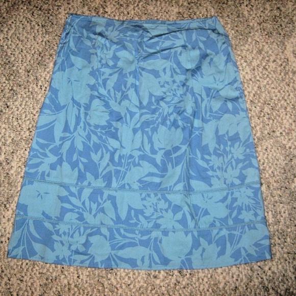 St. John's Bay Dresses & Skirts - Bright Blue Floral Back Zip Stretch Knee Skirt 8